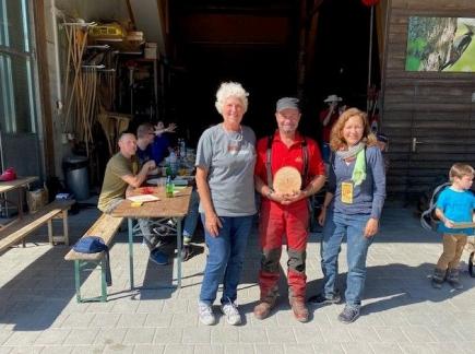 Sie organisierten unseren Clean-up-Day: Rot. Marion Fröschle, Forstwart Gilbert Richli und Rot. Caroline Marchand (v.l.n.r.)